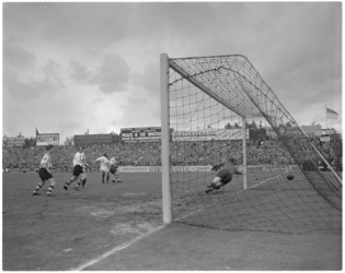 169-1 Spelmoment voetbalwedstrijd Sparta - Amsterdam.