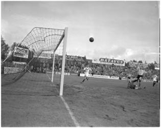 169-2 Spelmoment voetbalwedstrijd Sparta - Amsterdam.
