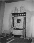 1764 Het grafmonument voor Witte de With in de Laurenskerk te Rotterdam. Opname tijdens de restauratie van de ...