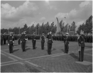 1797 Beëdiging officier op het voorplein van de Van Ghentkazerne.