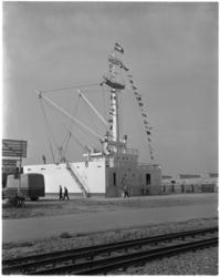 1813-1 Nieuwbouw Havenvakschool aan de Waalhaven op het terrein van het voormalige vliegveld Waalhaven.