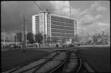 1887 Bouw van hoofdpostgebouw aan de Delftsestraat gezien vanaf het Weena.