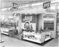 1911-1 Stand van limonademerk Joy op fruittentoonstelling in de Rivierahal.