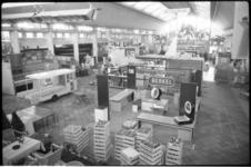 1911-2 Overzicht op fruittentoonstelling in de Rivierahal.