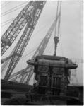 1923-1 De Simson, de grootste drijvende stoombok van Tak Bergingsbedrijf in de Benelux, krijgt een vaste plaats in de ...