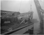 1923-2 De Simson, de grootste drijvende stoombok van Tak Bergingsbedrijf in de Benelux, krijgt een vaste plaats in de ...