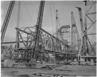 1936-2 Plaatsing loopkraan van Krupp door de bokken van Tak.
