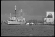 1938-2 Een aantal oorlogsschepen van de Britse marine brengt een niet-officieel bezoek aan Rotterdam.