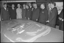 1982-3 Burgemeester Van Walsum, commissaris van de koningin mr. Klaasesz, K.P. van der Mandele en vele anderen, in het ...