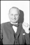 20010-81-20 Portret van ir. E. G. Wentink, technisch adjunct-directeur Gemeentewerken.