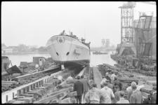 20011-66-29 Tewaterlating instructievaartuig voor de binnenvaart Prinses Christina op de scheepswerf Vuijk in Capelle ...