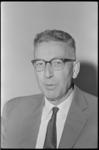 20012-60-9 Prof. ir. T.J. Bezemer, hoogleraar interne organisatie aan de Handelshogeschool Rotterdam.