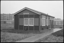 20013-65-8 Posthuis Lombardijen, een noodpolitiebureau aan de Molenvliet.