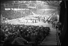 20019-35 Voorstelling van Circus Barnum & Bailey in meerdere pistes in Ahoy.