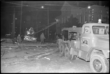 20019-50b-9 Werkzaamheden bovenleiding en rails tram op het kruispunt Eendrachtsplein (bij politiebureau) en de ...