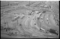 20020-55-7 Vernieuwd bus- en tramstation op het Stationsplein in verband met werkzaamheden metro op het Stationsplein ...