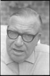 20022-5-34 Portret van dr. Maarten Dura, voorzitter Rotterdamse EHBO-verenigingen.
