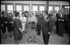 20026-17-42 Koningin Juliana bezoekt in Ahoy' hetvierde lustrum van de Bond van Nederlandse Militaire ...
