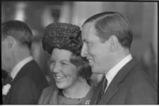 20028-17-44 Bezoek prinses Beatrix met haar verloofde Claus von Amsberg aan Rotterdam.