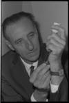 20028-61-37 J.C. Peters is kwarteeuw dokter van Diergaarde Blijdorp.