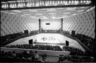 20030-69-16 Proefconcert door Nederlands Kamerkoor met publiek in Kleine zaal concertgebouw De Doelen.