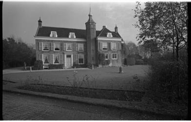 20031-37-37 Landhuis De Oliphant (1592) bij Nieuwesluis.