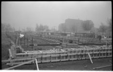 20034-12-21 Bouw van het Provisorium, een tijdelijk onderkomen van Nederlands Economische Hogeschool aan G.J. de ...