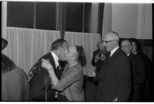 20034-17 Promotie aan de NEH van E. H. (Ernst) van der Beugel (oud-staatssecretaris en directeur KLM) tot doctor in de ...