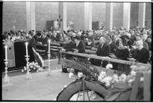 20034-33-23 Begrafenisplechtigheid in de Steigerkerk van staatssecretaris en oud verzetsman J.J.F. Borghouts ...