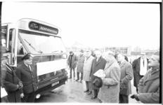 20034-69-25 Laatste tramrit RTM: bussen nemen de rit over in het bijzijn van RTM-directeur dr. H.J. van Zuylen.