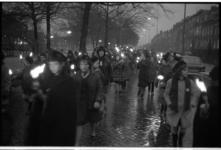 20035-42-33-33 Fakkeloptocht Heemraadssingel in verband met feestelijkheden rond het huwelijk van Prinses Beatrix met ...