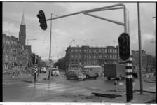 20036-22-2 Stoplicht Burgemeester Meineszlaan, links de Beukelsdijk, rechts de Burgemeester Meineszlaan. Links de ...