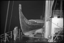 2008-1 Een vikingschip op het dek van het vrachtschip 'American Archer'.