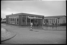 2039-1 Exterieur houten dienstruimten op Luchthaven Rotterdam.