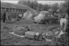 20484-5-7 Groep illegaal kamperende Perzische zigeuners op een terrein aan de 's-Gravenweg in Nieuwerkerk aan den IJssel.