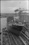 20497-2-13 Tewaterlating Esso Balitica bij scheepswerf A. Vuyk in Capelle aan den IJssel