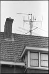 20653-2-42 TV antennes op daken.