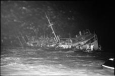 20683-4-19 Aanvaring Nieuwe Waterweg van Duitse Hornland met de Franse vrachtboot Pierre Angot.