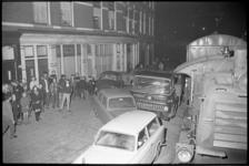 20724-7-35 Een goederentrein in de Hillestraat in de Afrikaanderwijk beschadigt 7 geparkeerde auto's.