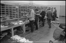 20750-7-32 Postsorteerder postkantoor Hoogvliet.