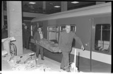20822-6-19 Oefening van de brandweer, politie en GG en GD in metrostation Beurs.