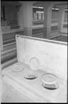 20825-2-31 Voorzieningen van de BB, zoals deze latrines in metrostation Stadhuis, langs de sporen aan het einde van het ...