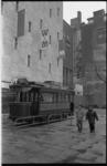 20838-5-12 Ter gelegenheid van de opening van de metro noord-zuidlijn is de eerste elektrische tram van Rotterdam, de ...