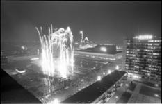20840-7-32 Ter gelegenheid van de opening van de metro noord-zuidlijn op 9 februari 1968, werd er 's avonds officieel ...