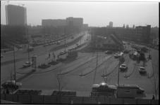 20863-3-23 Het verlaten RET busstation aan de Jongkindstraat naast het politiebureau Eendrachtsplein (niet in beeld). ...