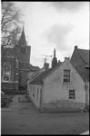 20874-7-8 Het noordelijke deel van de Charloisse Kerksingel. In zuidelijke richting de Oude Kerk van Charlois.