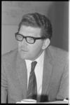 20975-5-39 Portret van de wethouder Wim van der Have.