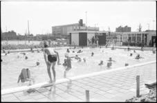 21017-6-32 Ingebruikname Zwembad West aan de Spaanseweg.