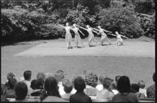 21018-2-21 Balletuitvoering door Scapino in het openluchttheater Dijkzigt aan het Melkkoppad.