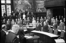21049-1-27 Herdenking van de op 12 augustus 1968 overleden oud-burgemeester P.J. Oud in een bijzondere vergadering van ...